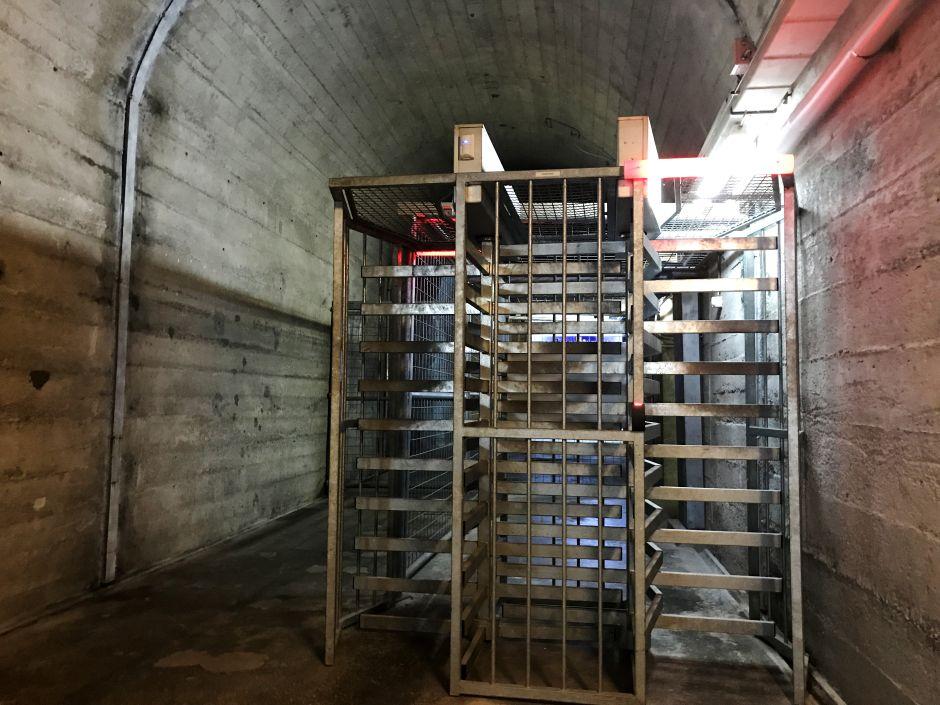 Вот так выглядит швейцарский бункер, в котором хранят биткоины