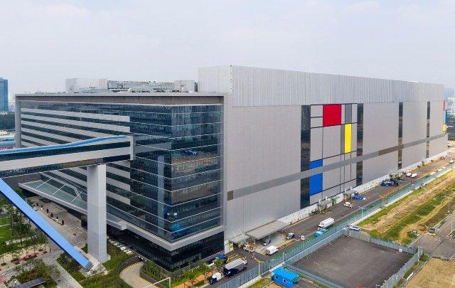 Samsung перешла на 10-нанометровые чипы второго поколения