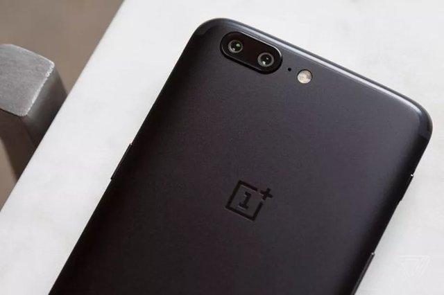 OnePlus 5T, вероятно, будет похож на Oppo R11S