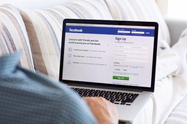 Facebook запускает программу по профилактике порно в соцсети