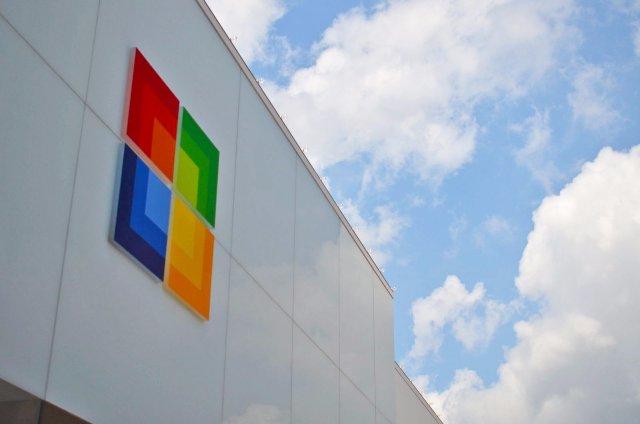 Microsoft устанавливает достижимую цель сокращения выбросов углерода