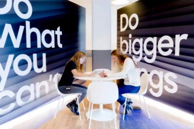 Samsung объединяется с WeWork для собственной версии Genius Bar от Apple