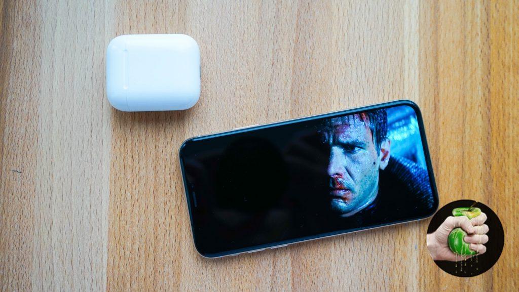 За что обзорщики ругают Apple iPhone X?