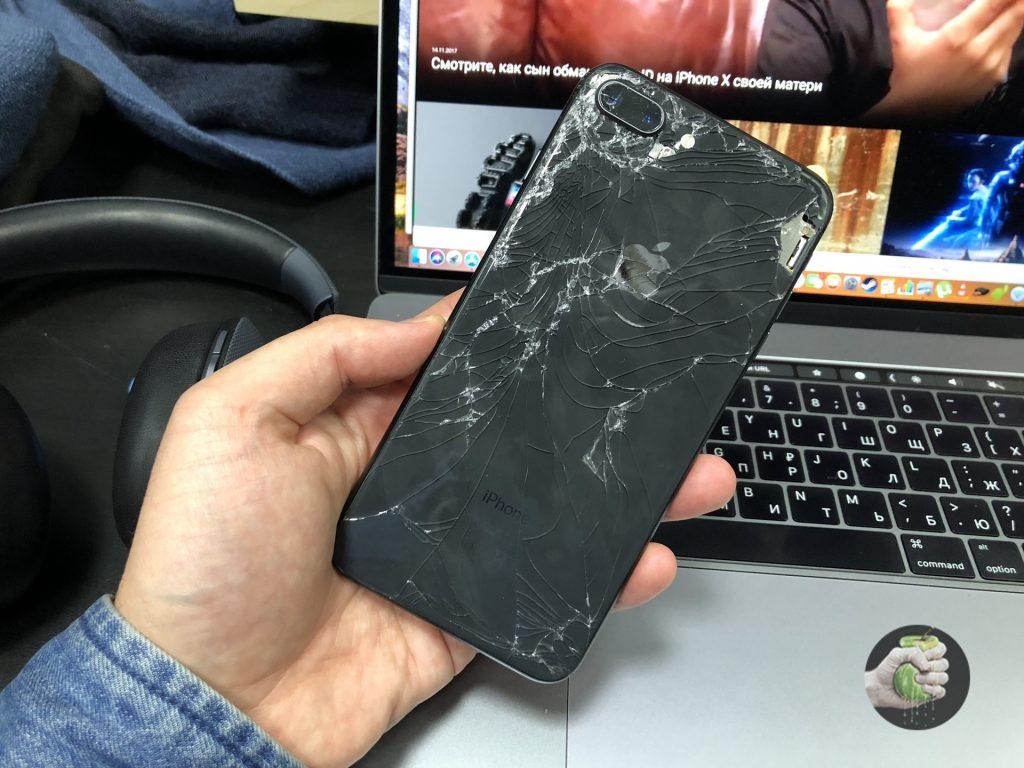 Как мы отремонтировали разбитый в хлам iPhone 8 Plus