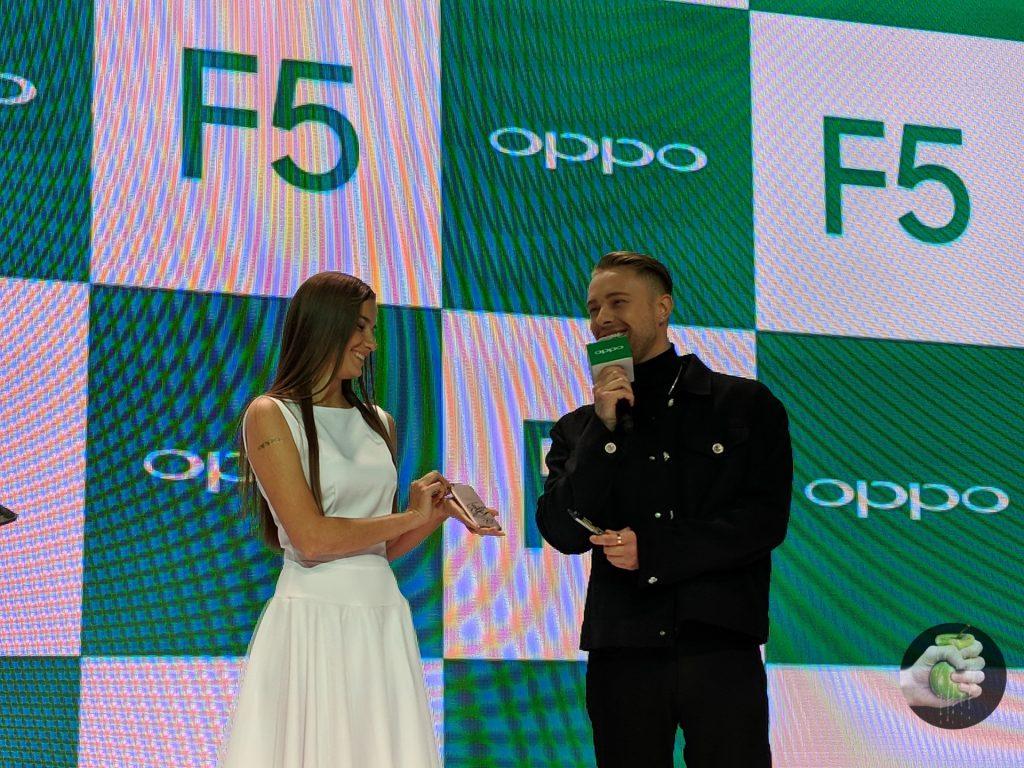 Oppo представила новинки и выбрала селфи-экспертом Егора Крида