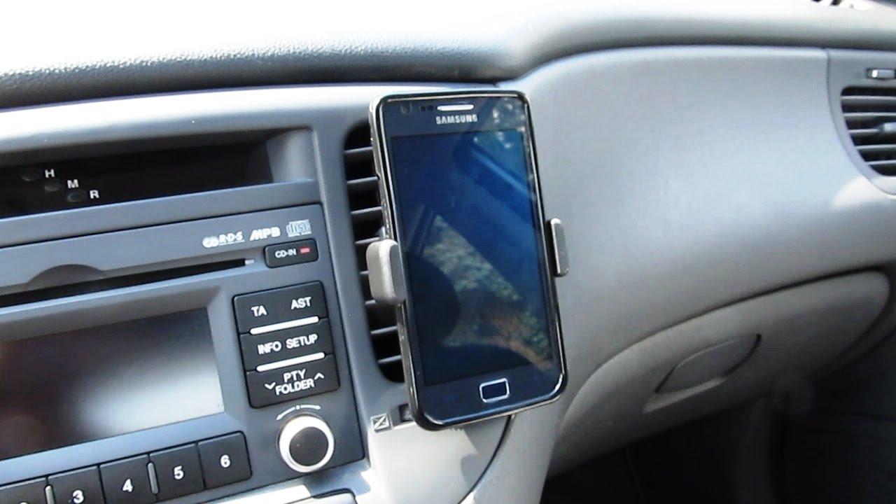 Как выбрать держатель для телефона в автомобиль