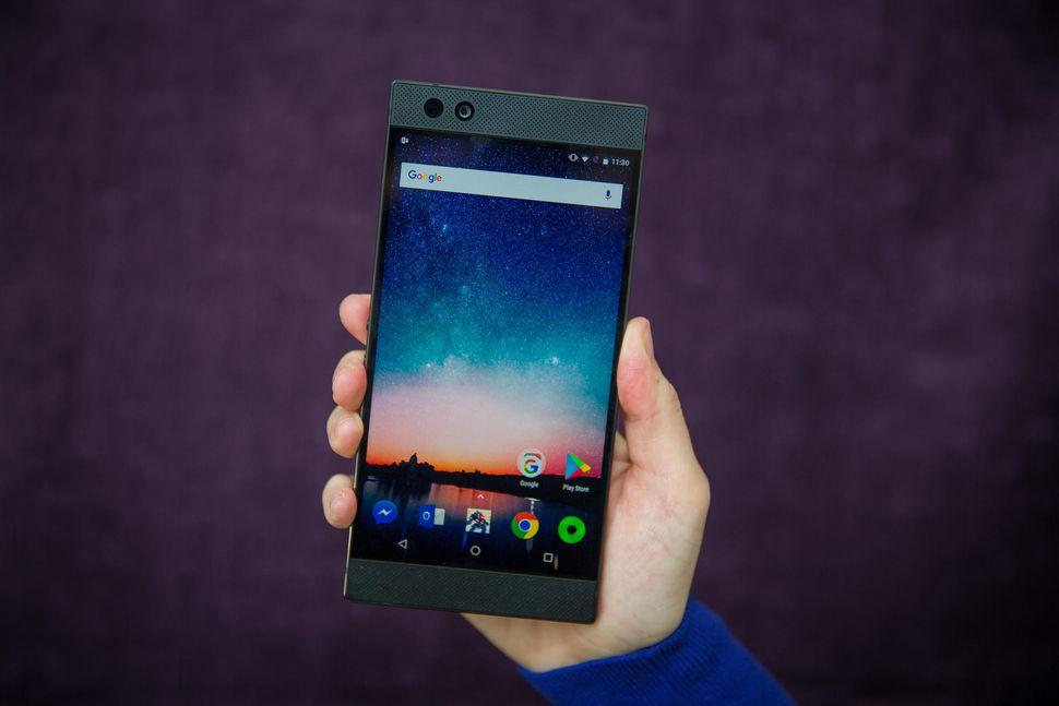 Razer Phone — чем хорош первый игровой смартфон?