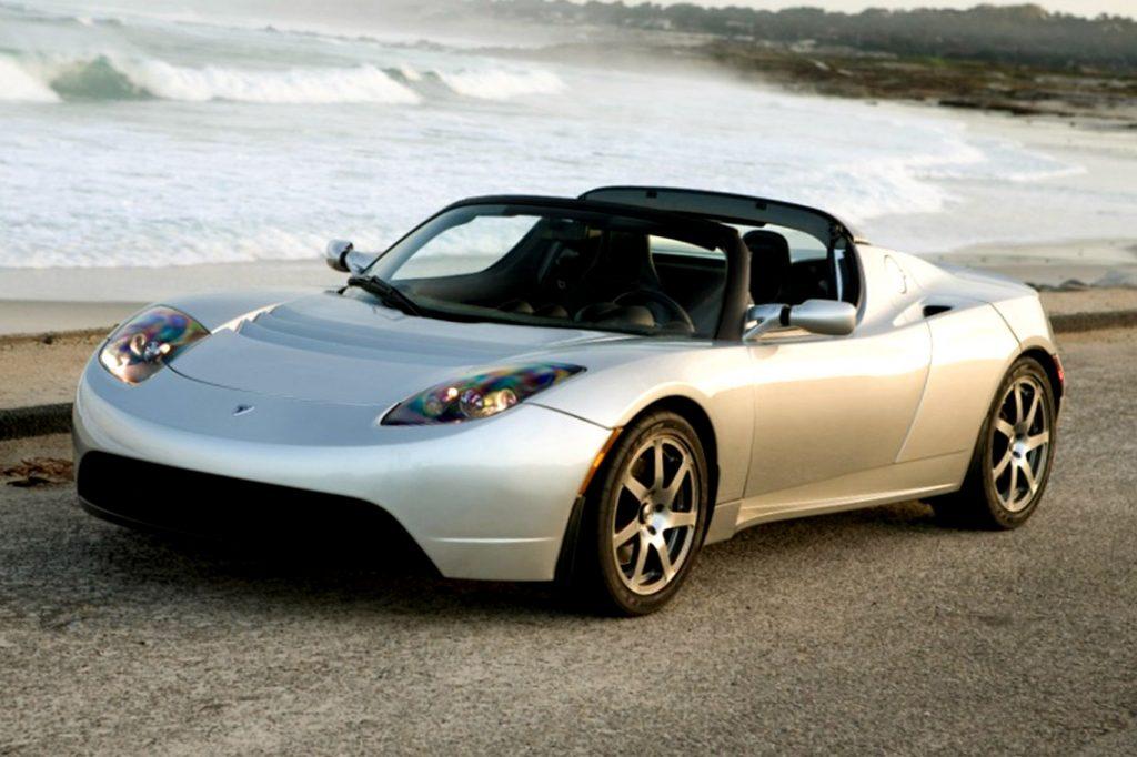 Внезапные новинки Tesla: электрогрузовик и суперкар
