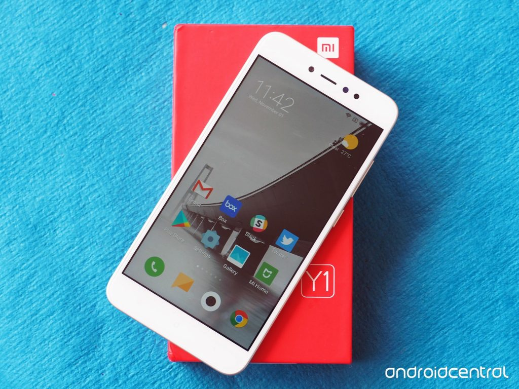 Клон-машина Xiaomi выдала Xiaomi Redmi Y1 и Y1 Lite