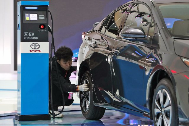 Toyota и Panasonic изучают «призматические» батареи EV вместе