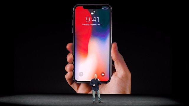 «iPhone X Plus» должен возглавить новые продукты Apple в 2018 году