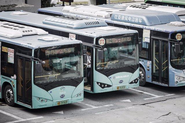 Город Шэньчжэнь в Китае электрифицирует все 16 359 своих общественных автобусов