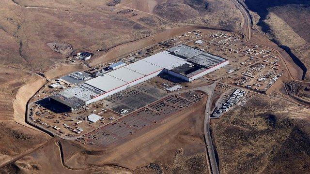 Задержки в Gigafactory от Tesla могут привести к глобальному дефициту батарей