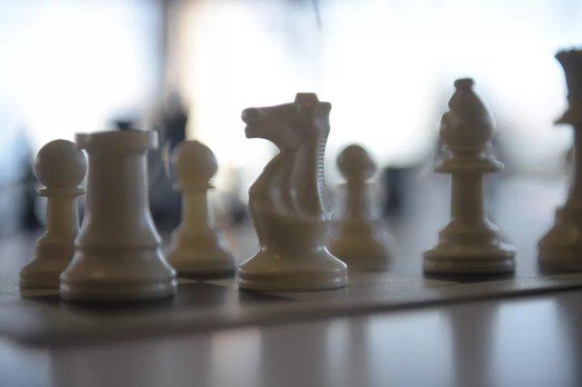 ИИ DeepMind стал сверхчеловеческим шахматистом за несколько часов, просто для удовольствия