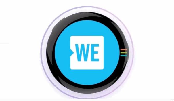 Эта кнопка AMOLED, по-видимому, может воспроизводить GIF на вашей куртке