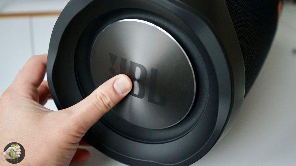 Обзор JBL Boombox: народный (большой) хит