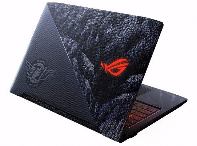 Последний ноутбук ASUS включает в себя eSports с логотипом лучшей команды