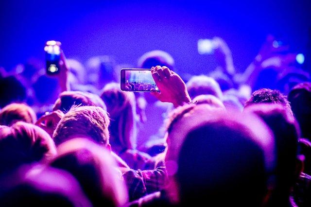 Facebook добивается лицензирования музыки с Sony