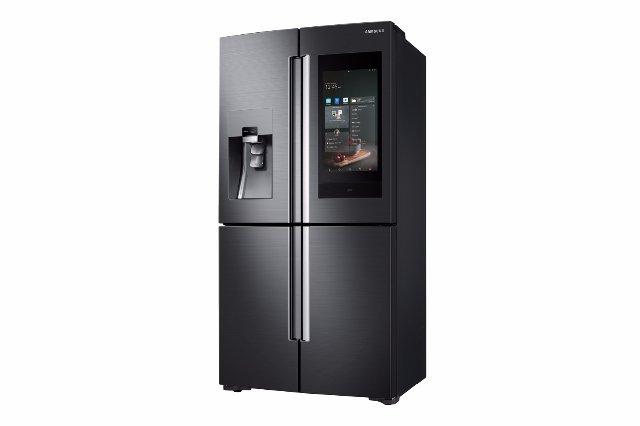 Samsung добавляет голосовой контроль Bixby к своему интеллектуальному холодильнику Family Hub