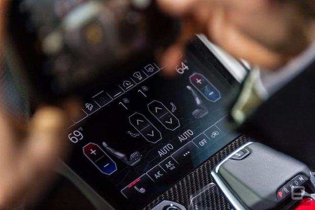 Urus Lamborghini 650HP  - это равные части мышц и информационно-развлекательных программ