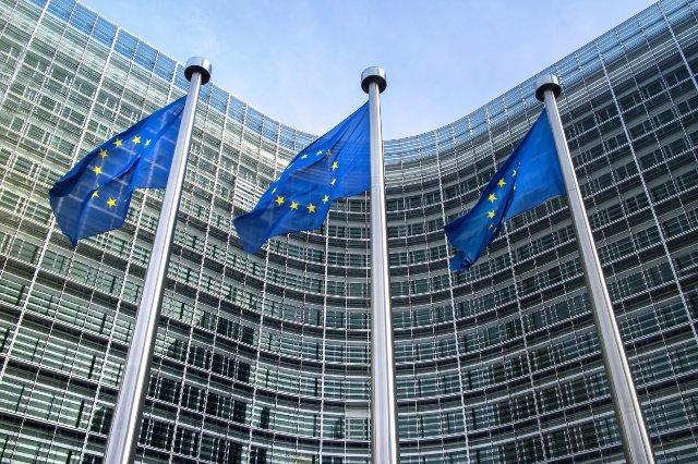 ЕС говорит, что социальные медиа уже лучше блокируют сообщения о разжигании ненависти