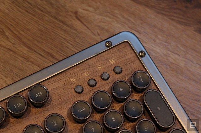 Классическая клавиатура Azio Retro Classic роскошна, но несовершенна