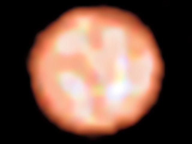 Детальное изображение красного гиганта подтверждает теорию о массивных звездах