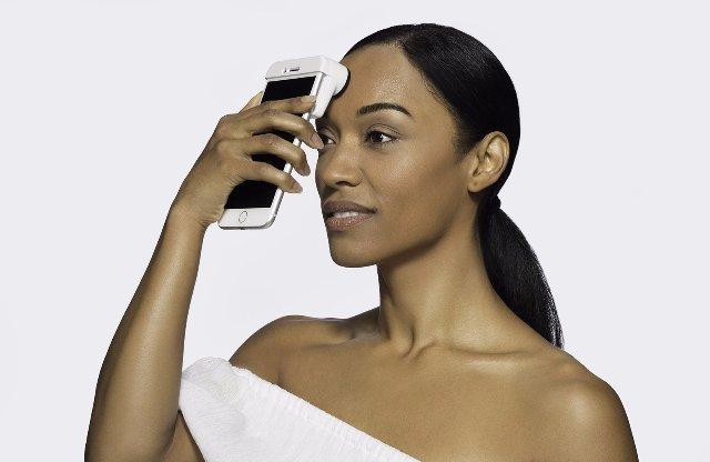 Сканер Neutrogena показывает и оценивает вашу кожу в деталях