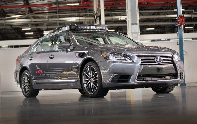 Новый беспилотный автомобиль Toyota может лучше распознать небольшие объекты