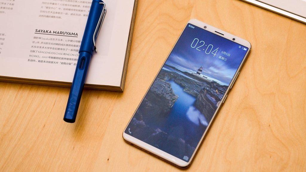 Слух: цена смартфона со встроенным в экран сканером отпечатков