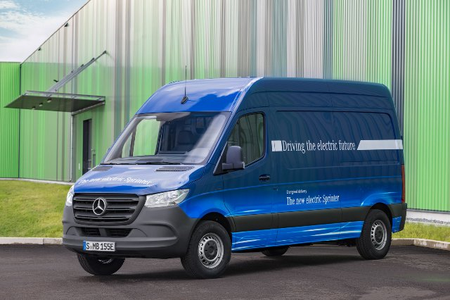 Mercedes построит электрическую версию своего популярного фургона Sprinter