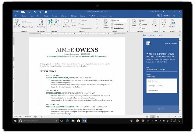 Microsoft выпускает вспомогательного помощника LinkedIn для Word