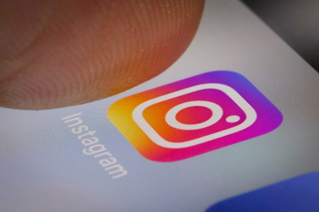 Instagram тестирует предупреждения о скриншотах для Stories