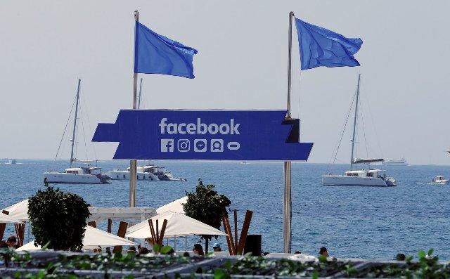 ЕС: Facebook и Twitter должны сделать больше для защиты пользователей