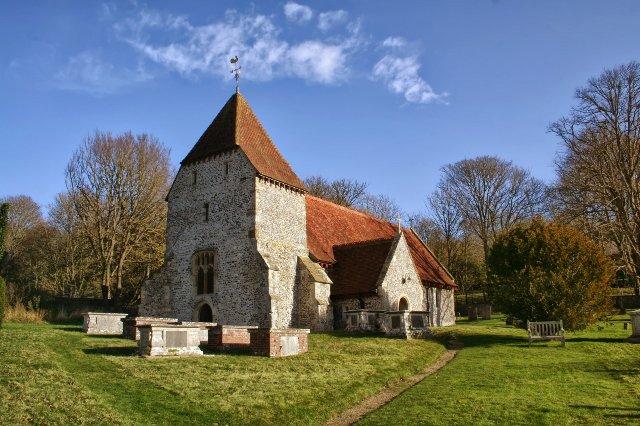 Англия обращается к церкви, чтобы помочь исправить сельский интернет