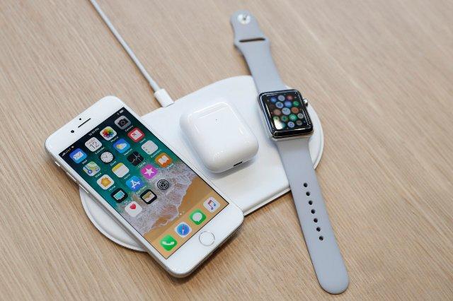Беспроводный зарядный коврик AirPower от Apple может начать продаваться в марте