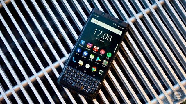 BlackBerry считает, что продажа 850 000 телефонов KEYOne - это успех