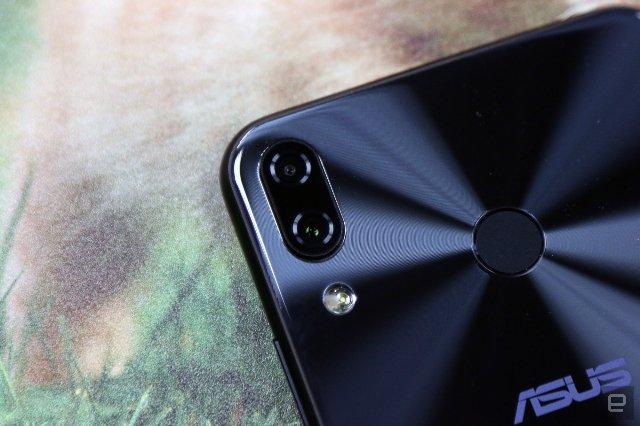 ASUS ZenFone 5 растягивает пределы термина «ИИ»