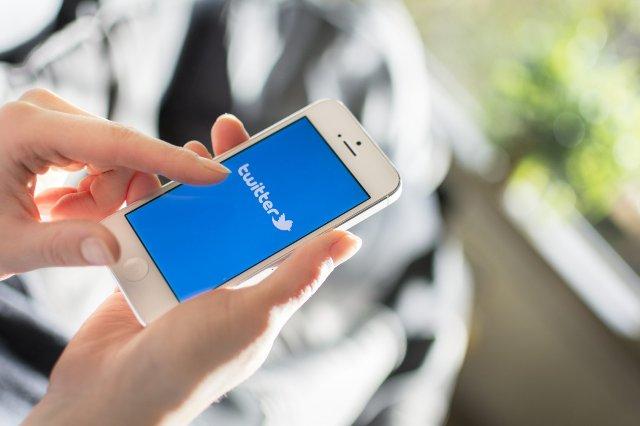 Twitter упрощает сохранение и распространение твитов