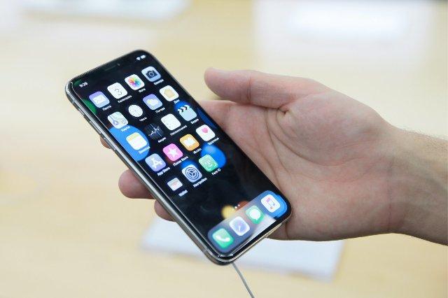 Владельцы iPhone X сообщают о проблемах с ответом на телефонные звонки