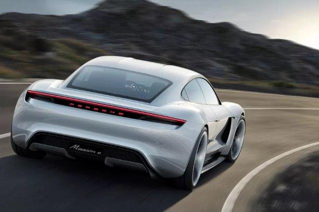 Porsche увеличивает свои инвестиции в электромобили