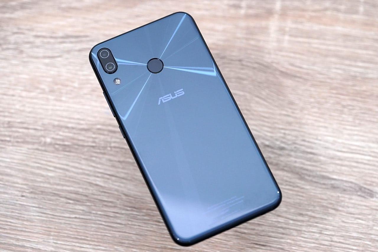 ASUS клонировала iPhone X и показала новые ZenFone 5