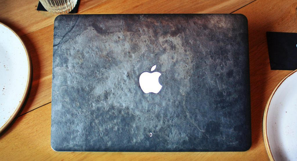 Что подарить любимому MacBook на 23 февраля?