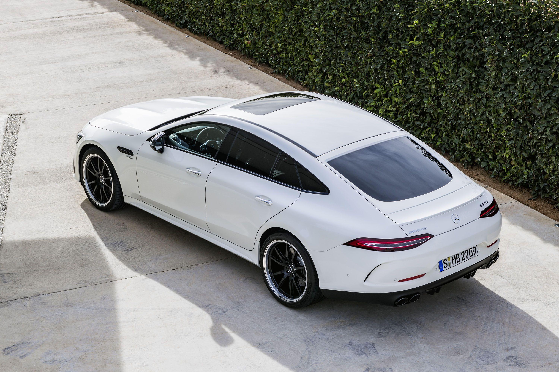 «Мерс» в Женеве: взрослый A-класс и бешеный семьянин AMG GT