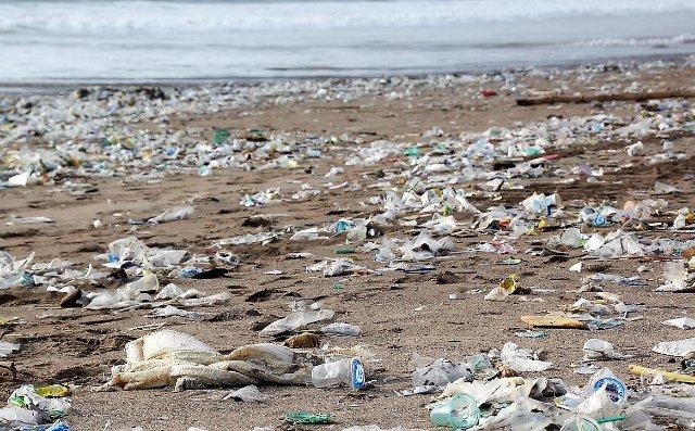 EКA планирует измерить данные о пластике в океанах из космоса