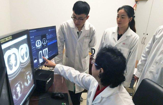 Больницы Китая обращаются к ИИ, чтобы компенсировать нехватку врачей