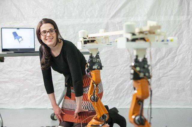 Роботизированные плотники MIT помогают в производстве мебели