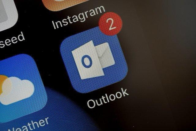 Microsoft, как сообщается, тестирует Cortana в Outlook Mobile
