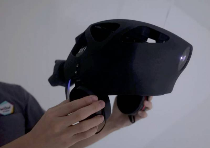 Шлем от Sony поможет понять….комара?
