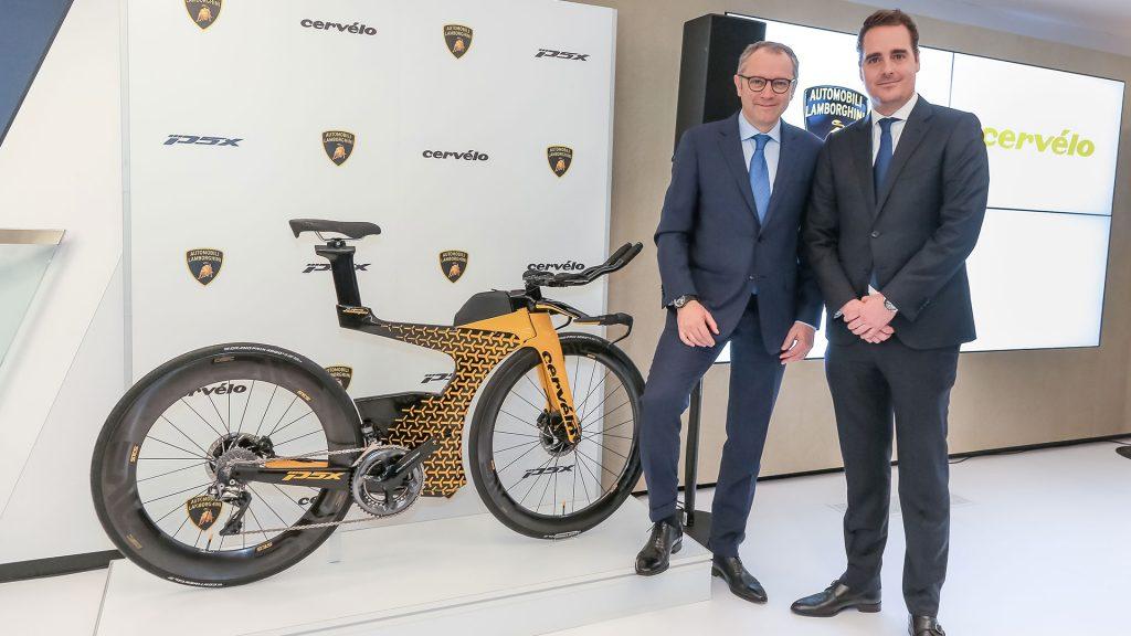 Велик Lamborghini по цене квартиры